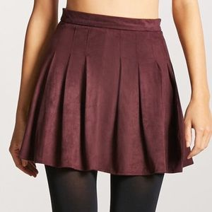 NWT Forever 21 burgundy purple pleated skirt